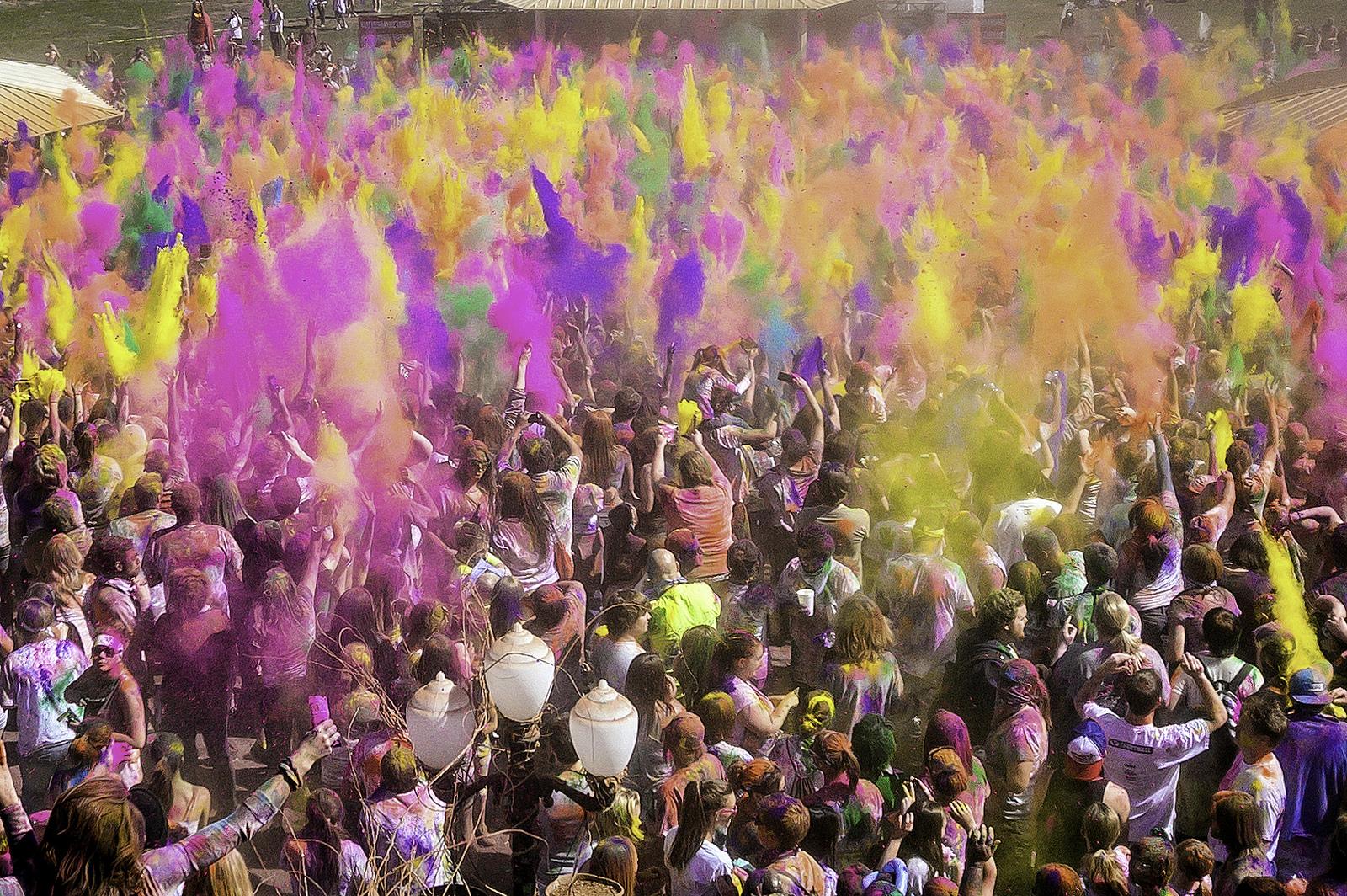 Фестиваль красок Холи